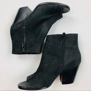 COLE HAAN Grand OS Snake Skin Leather Ankle Boots